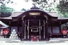 山梨県の歴史あるお寺や神社などを散策